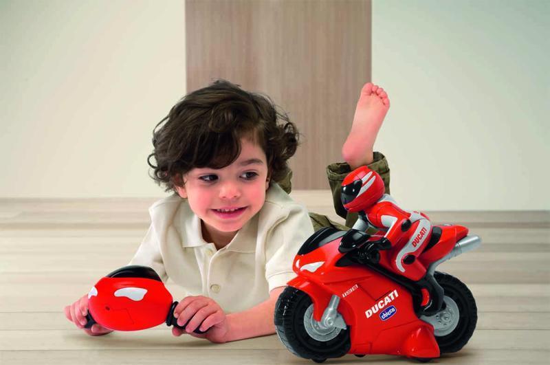 Motorka Ducati na dialkové ovládanie