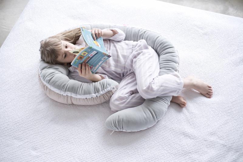 MOTHERHOOD Hniezdo pre bábätko 2v1 Grey Classics 95x62cm