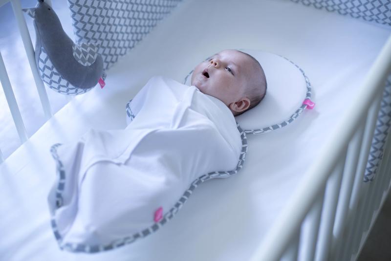 MOTHERHOOD Vankúšik ergonomický stabilizačný pre novorodencov Grey Classics 0-6m