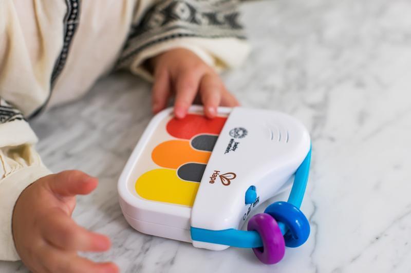 BABY EINSTEIN Drevený mini klavír Magic Touch HAPE 3m+